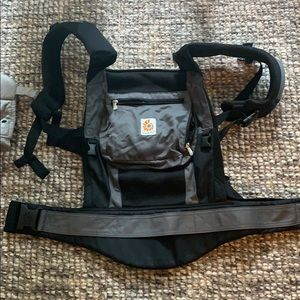 Ergo Baby Baby Carrier and Infant Insert